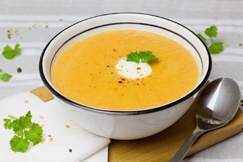 Gyömbéres sárgarépa leves